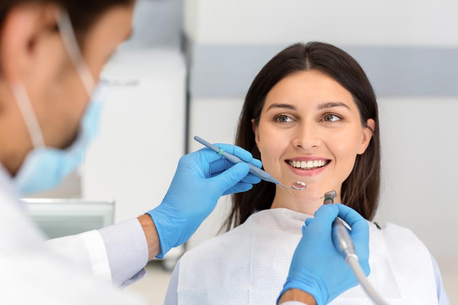 Alla ricerca di un dentista nella Capitale? Affidati solo a professionisti: scopri di più